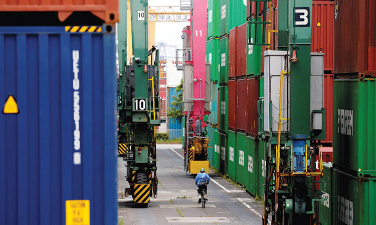 Japan data trade surplus as exports, imports fall