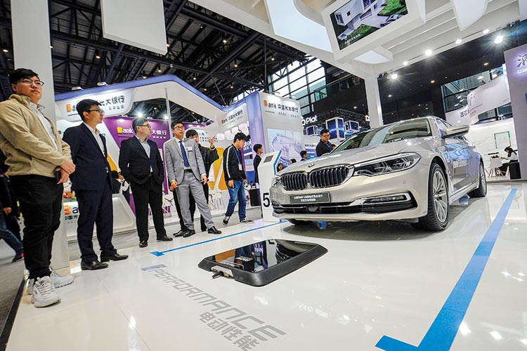 Bmw S Q1 Earnings Fall 78 Gulftoday