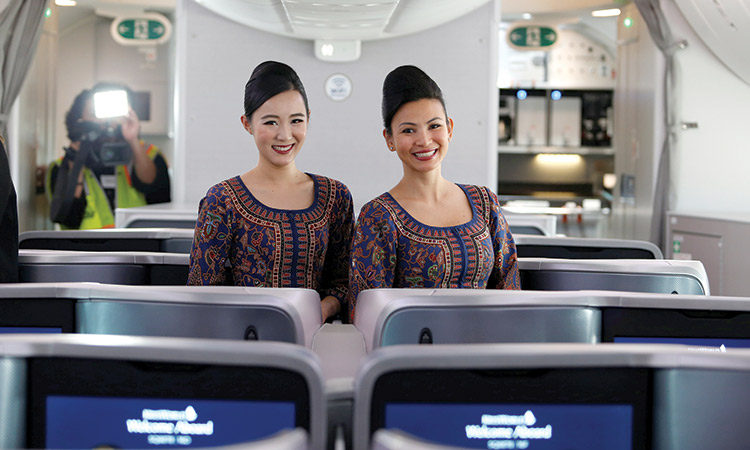Airhostesses-Singapore-Airlines