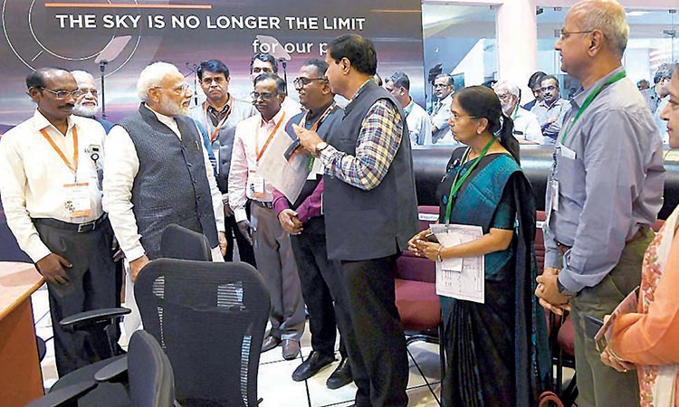 India loses contact with lander on mission to moon - GulfToday