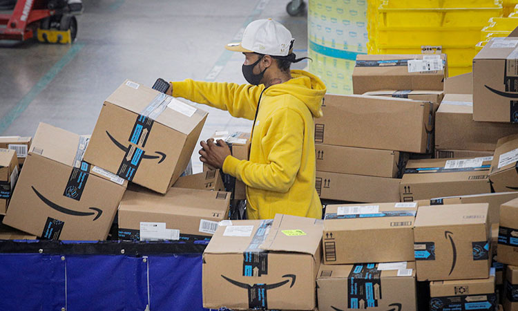 Amazon Spending $500 Million in Holiday Bonuses