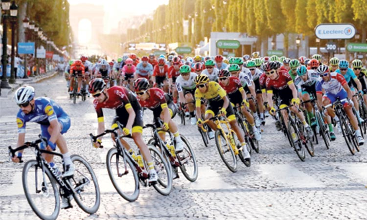 Barajan playing the Tour de France behind closed doors