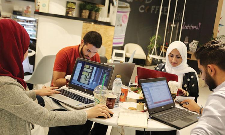 قمة القيادة النسائية تحترم رواد الأعمال