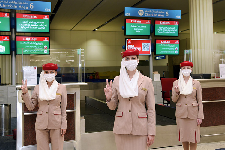 emirates-staff