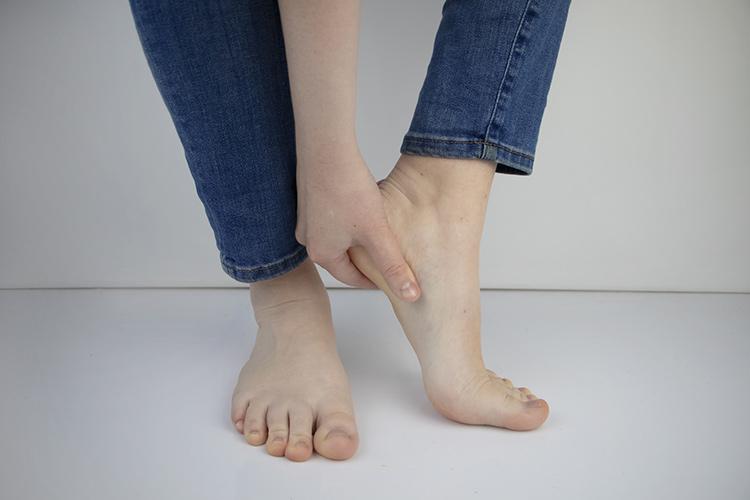 crack heels 1