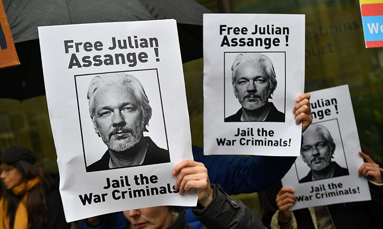Assange-court-Oct21-main2-750