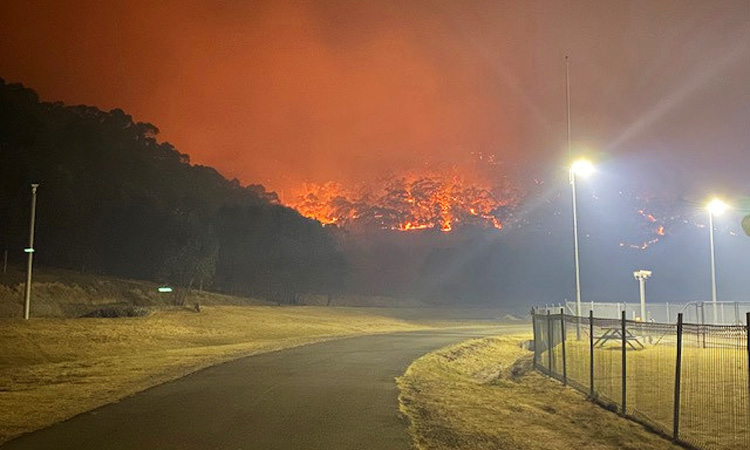 Video Taken by Firefighter Shows Australian Fire Threatening Homes