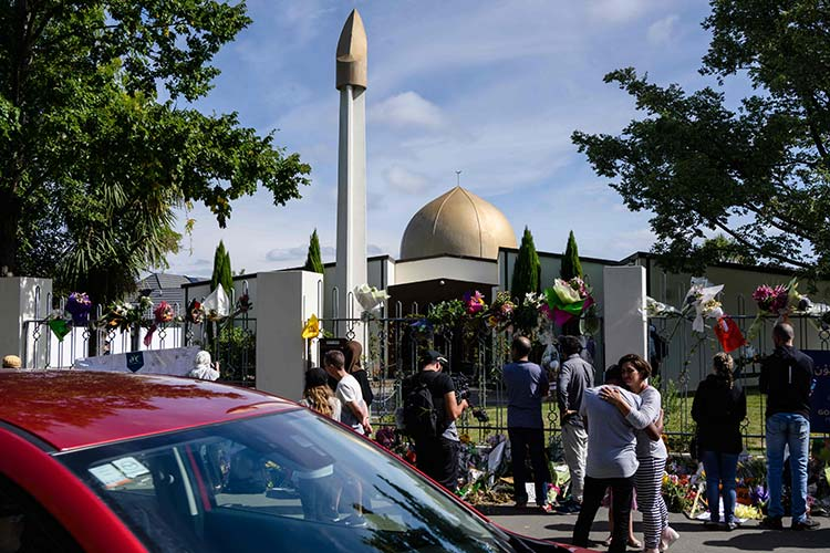 NZ-mosque-reopens750x500