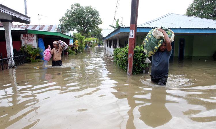 Indonesia-flood-750