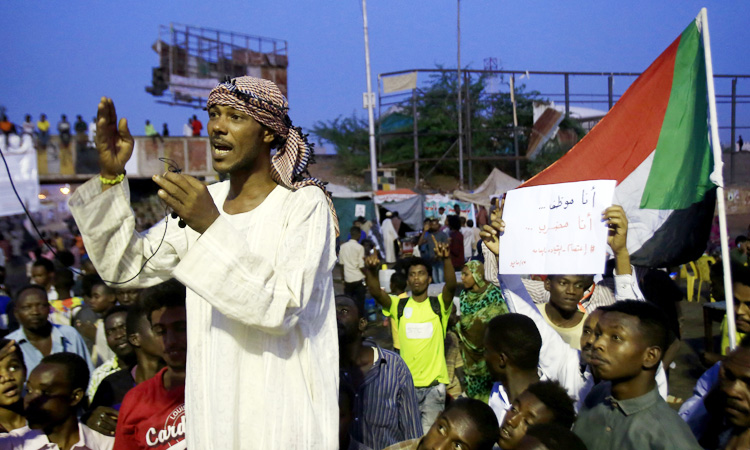 Sudanese-protesters-750