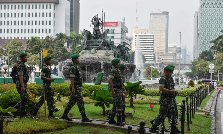 Indonesian-soldiers-750