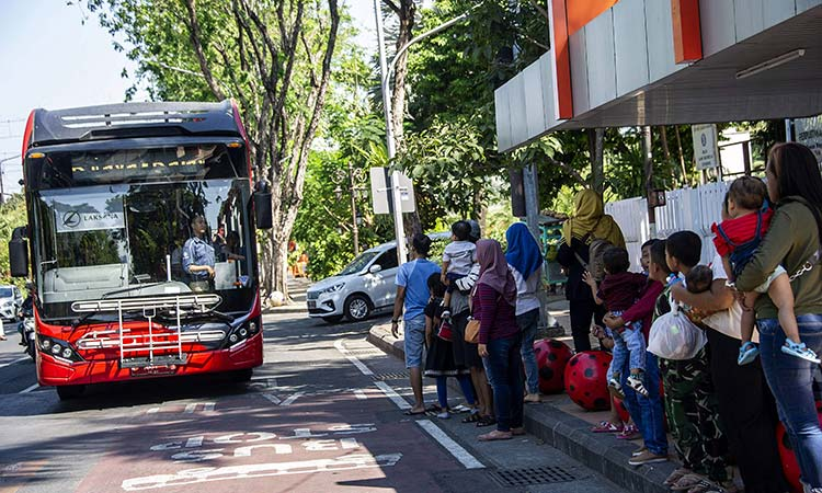 Trash for tickets on Indonesia's 'plastic bus' - GulfToday