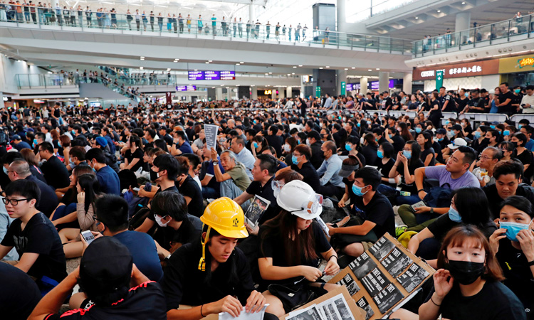HK_Int_Airport_Protest_750