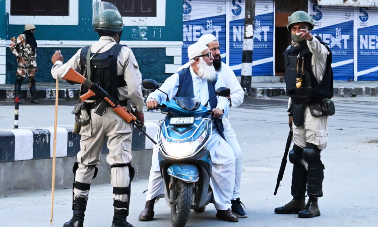 Indian-controlled Kashmir under strict lockdown for 9th day - GulfToday