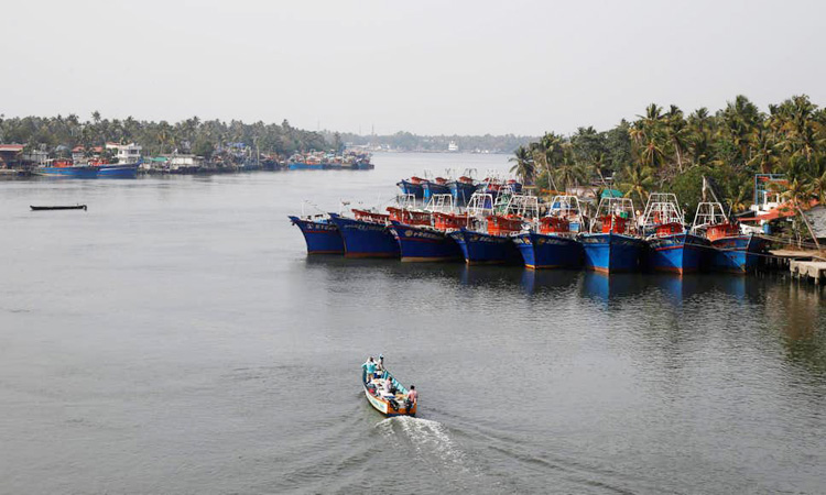 India_fishing-boat_750