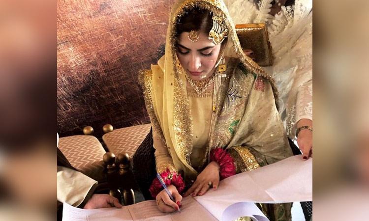 Pakistani actor Hamza Ali Abbasi marries 'Aana' star Niamal
