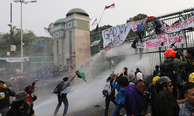 Indonesia_Student_Protests-2_750