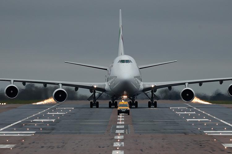Chartered-flight-750x450