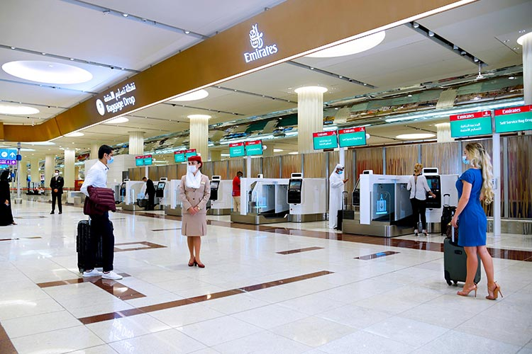 Emirates-self-check-in-3-750x450