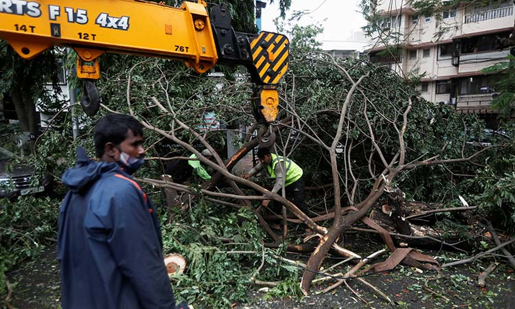 21 dead, 96 missing as cyclone batters India - GulfToday