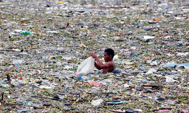 Ekologija, nauka za budućnost - Page 2 Plastic-in-sea
