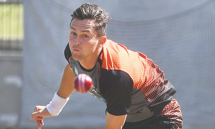 Kiwis make two changes as Oz mull 5 specialist  bowlers for  Boxing Day Test